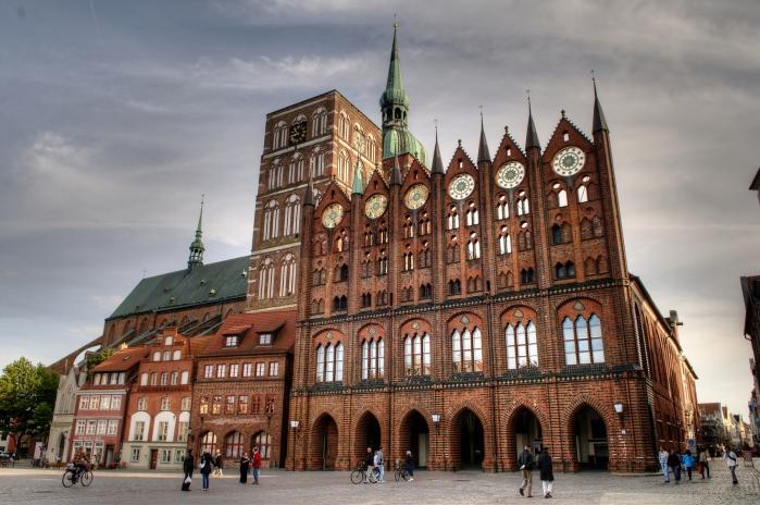 Marktplatz und Rathaus Stralsund