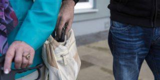 Taschendiebe auf Weihnachtsmärkten erkennen